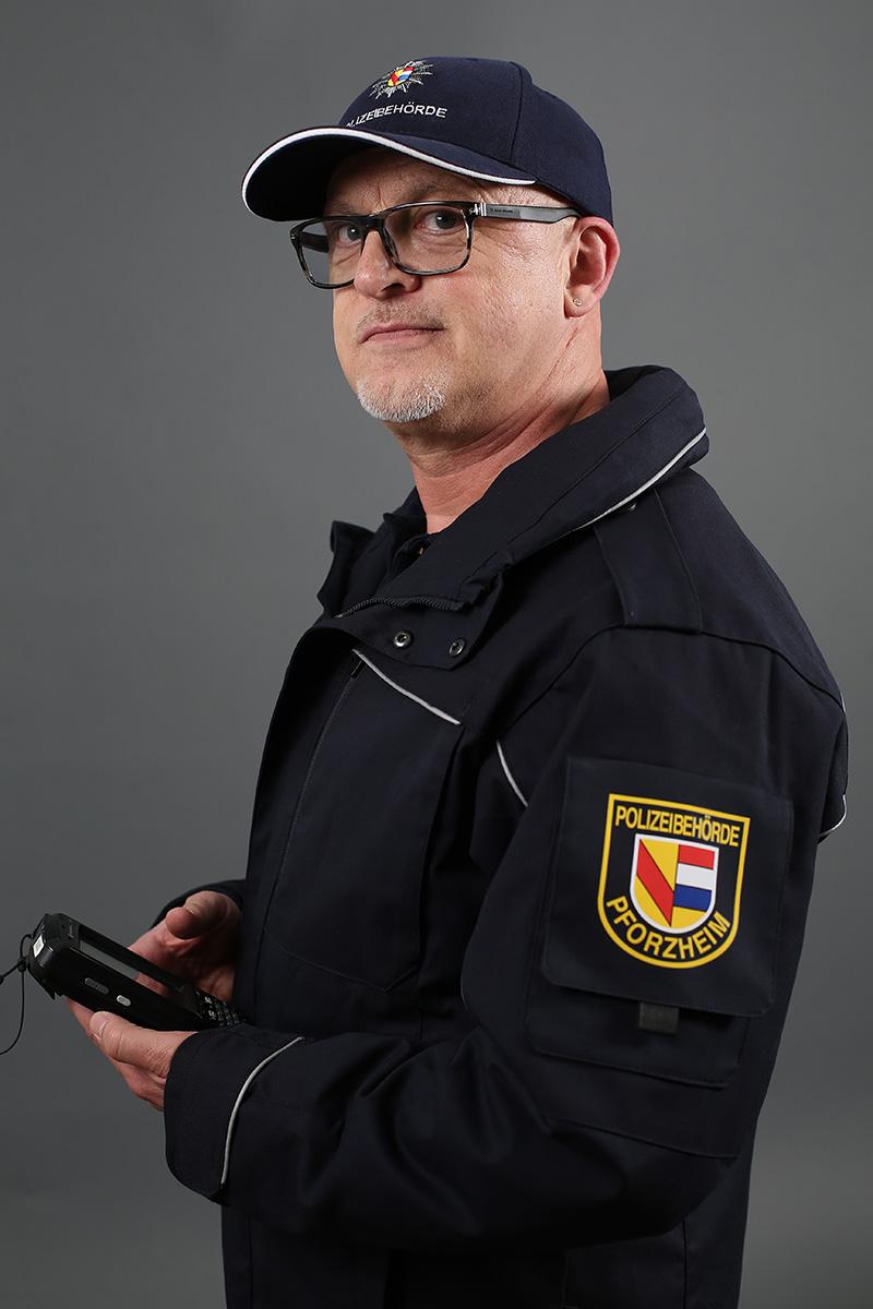 Karlheinz Jösel, Vollzugsbeamter
