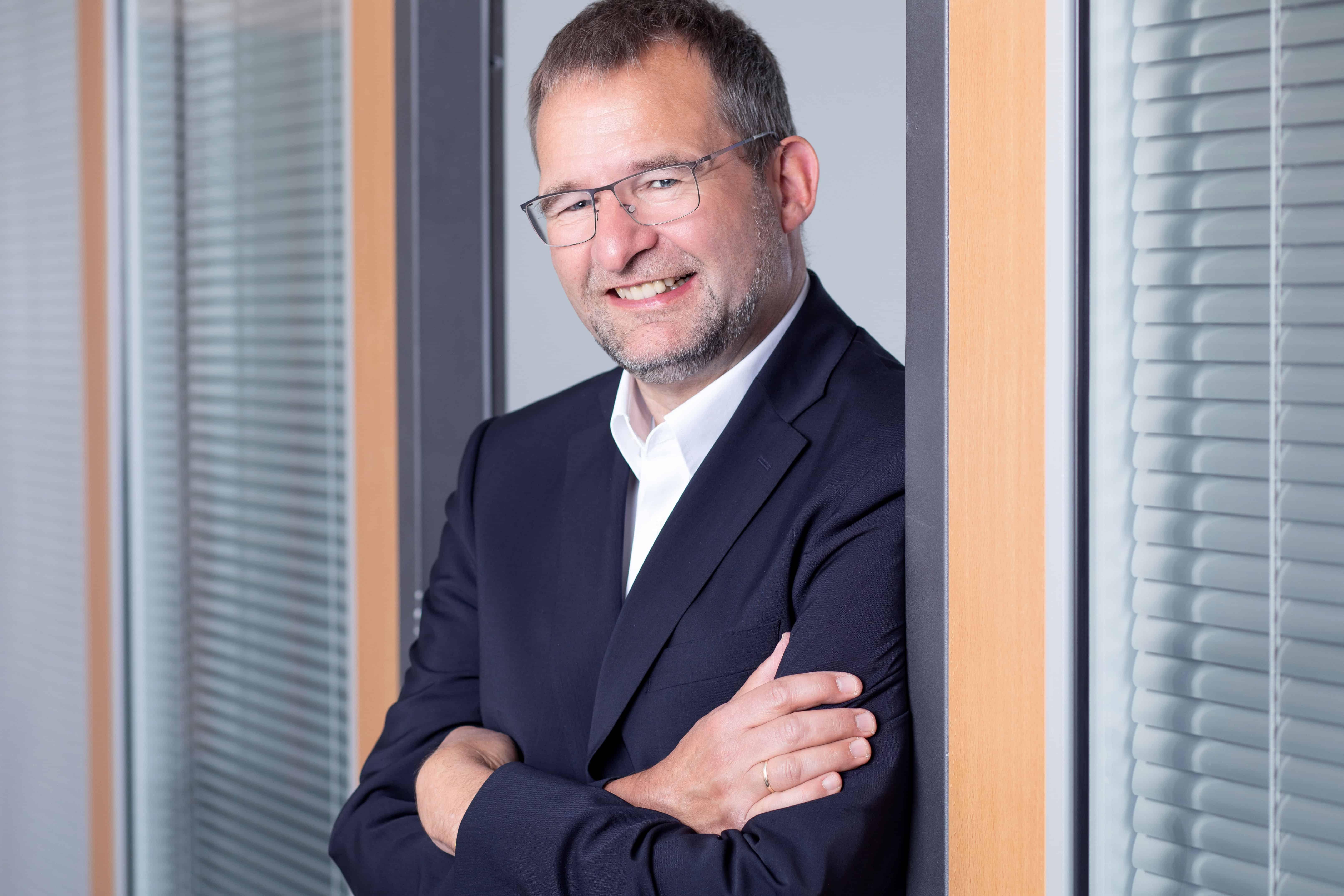 Gert Hager, Berater, OB a.D.